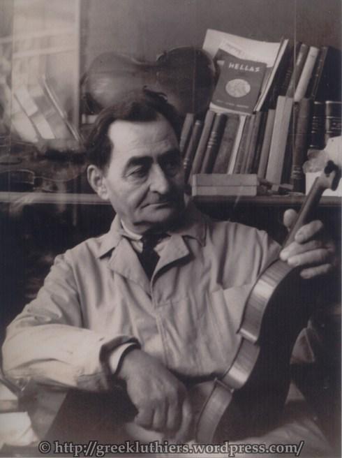 Ο Λάζαρος Ψυλλάκης στο εργαστήριό του το 1975